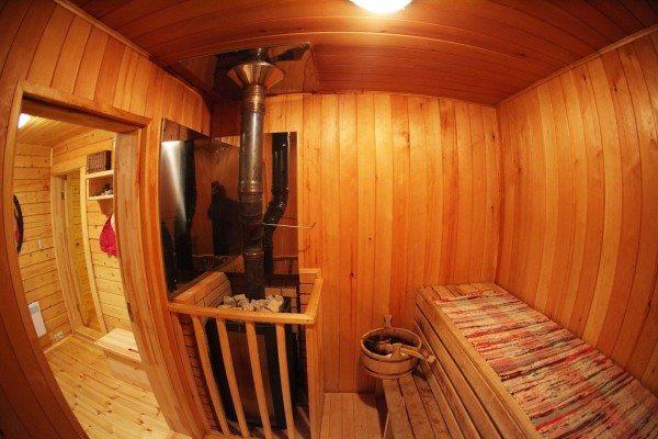 Банная зона внутри брусового дома