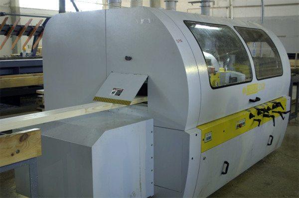 Для производства бруса используют наиболее современное и безопасное оборудование.