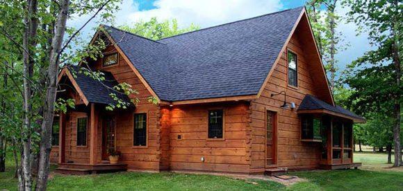 Для строительства дома использован брус из Костромы
