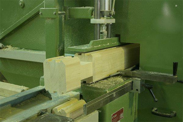 Изготовление «чашек» на деревообрабатывающем станке