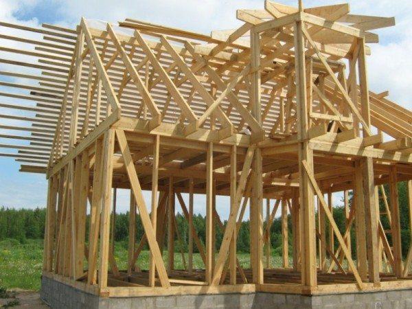 Каркасно-щитовая конструкция дома из бруса