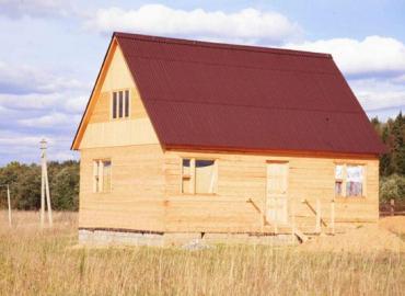 Красивый дом из экологически чистого материала