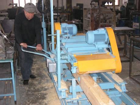 На фото – одна из разновидностей оборудования для производства профильного пиломатериала