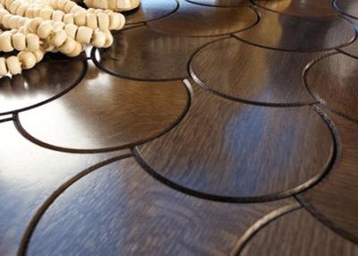 Не менее интересное исполнение плитки из дерева