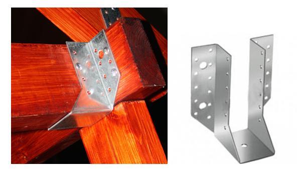 Открытая опора бруса 50х140, используемая для крепления в вертикальном положении балок консолей