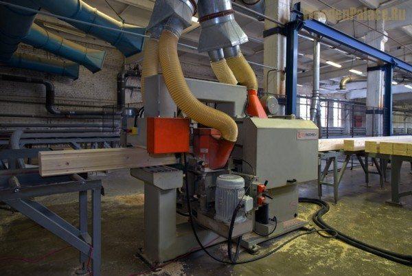 Процесс изготовления клееного бруса на высокотехнологичном оборудовании.