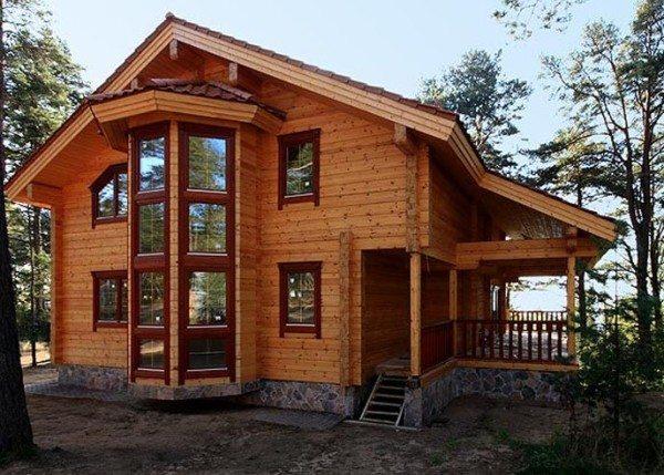 Современный двухэтажный дом из бруса