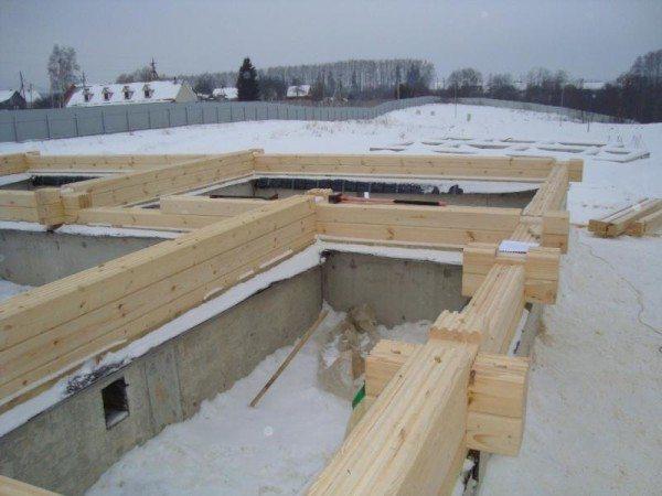 Стены и перегородки на одном уровне с фундаментом