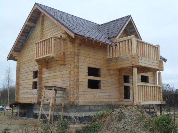 Такой дом в условиях суровых зим придется все равно утеплять.