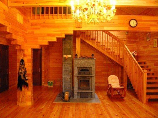 Жить в деревянном доме – ни с чем несравнимое удовольствие.