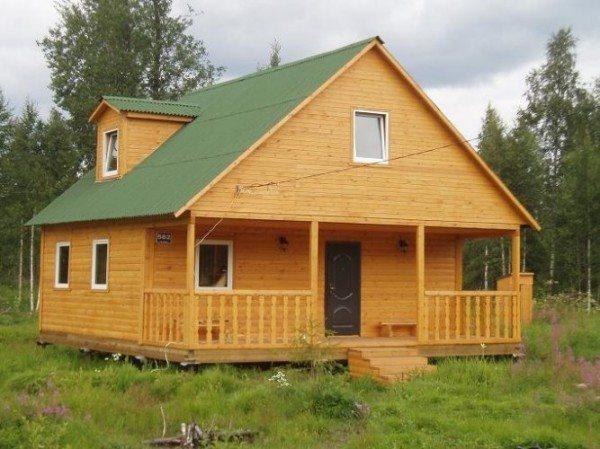 Брусовой дачный домик