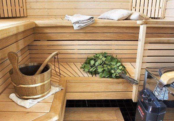 Дерево как нельзя лучше подходит для интерьера любой бани.