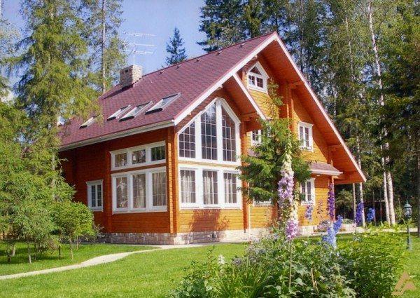 Дом из клееных брусьев