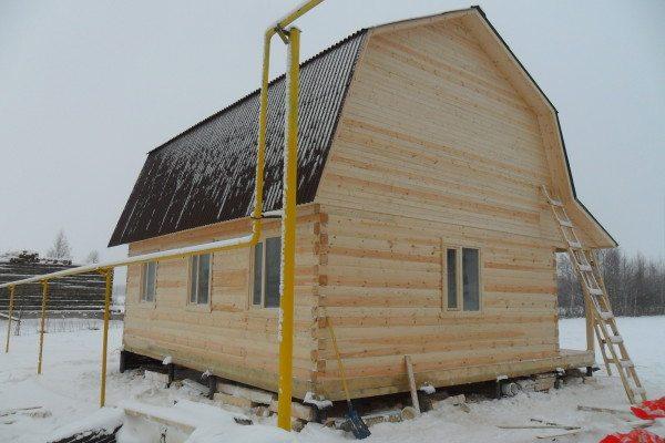 Дом на ростверке из бруса