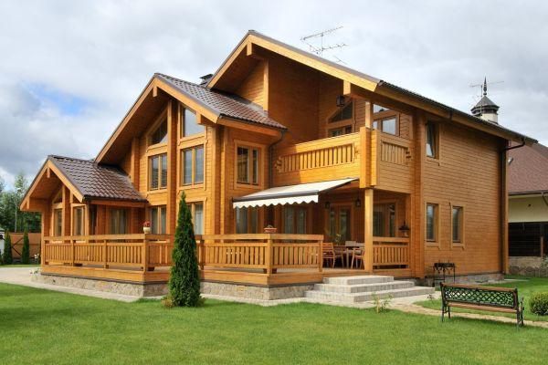 Экологичный дом, простроенный из бруса