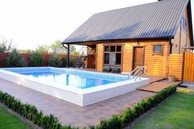 Если позволяет место, рядом с баней можно устроить бассейн
