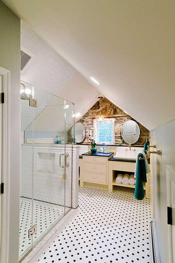 Чтобы пространство не пустовало, можно сделать ванную на «крыше».