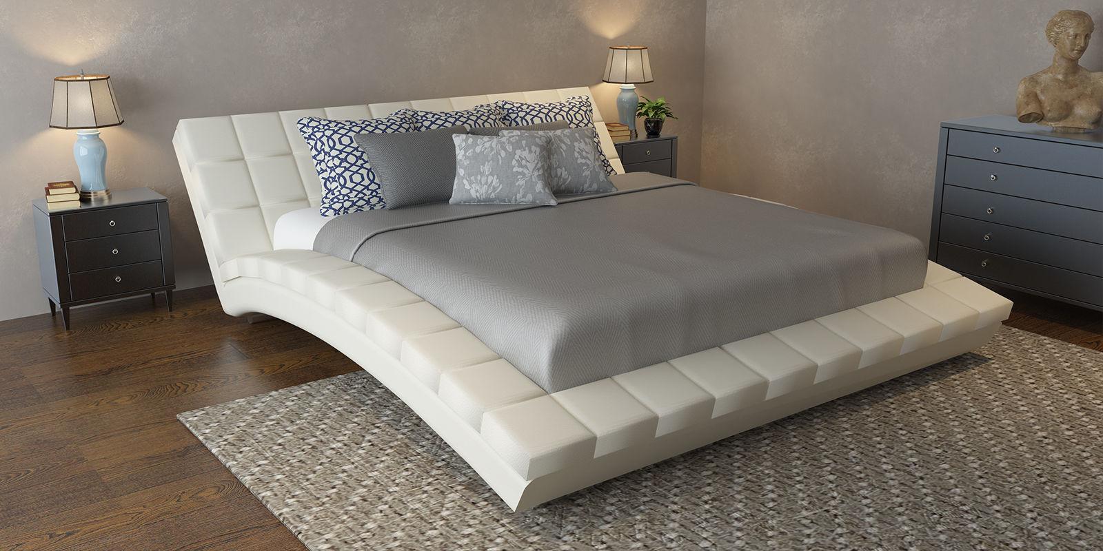 Обычная кровать тоже является отличным вариантом спального места.