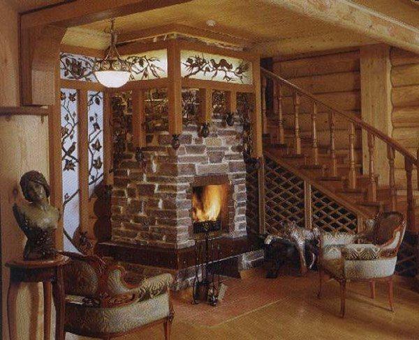Холл в деревянном доме