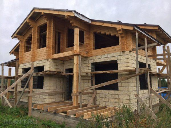 При строительстве гибридного деревянного дома важно соблюдать поточность технологического процесса