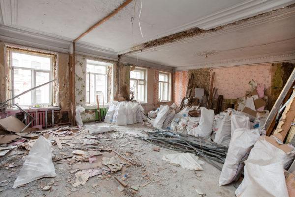 Разрушение стен в квартире
