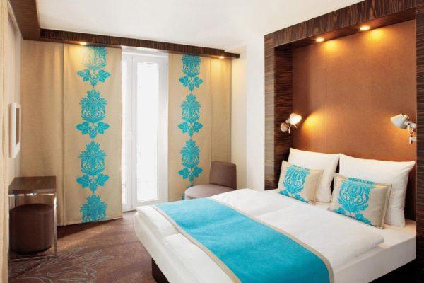 Японские шторы в дизайне спальни