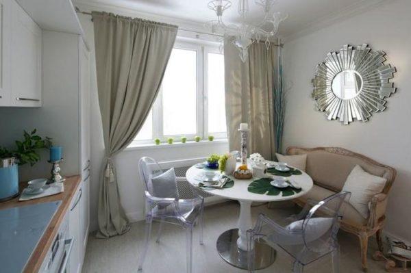 Изящный и необычный диван вполне может стать центром кухонного интерьера