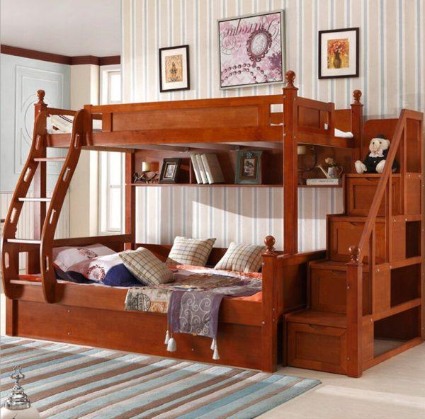 Кровать из бруса – идеальный вариант для детской благодаря экологичности материала и мягкой атмосфере тепла и уюта, создаваемой деревом. А прочность позволяет создавать сложные многоэтажные конструкции с уверенностью в долгом сроке эксплуатации