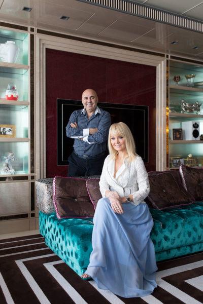 Иосиф Пригожин с женой Валерией в собственной квартире