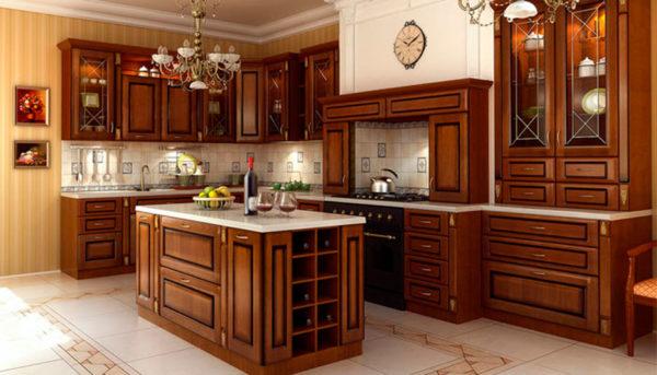 Лакированные деревянные фасады кухонной мебели