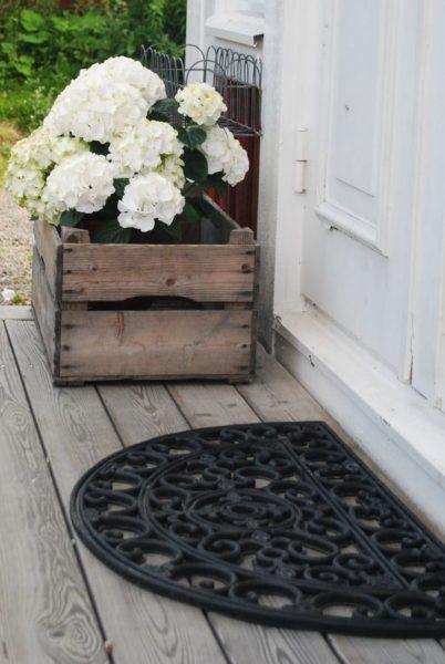 Придверный коврик с внешней стороны квартиры