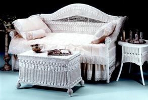 Ротанговая мебель в спальне Прованса