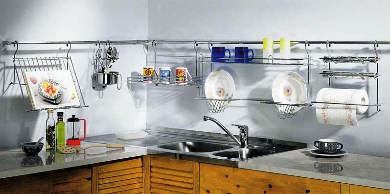 Рейлинг в интерьере кухни