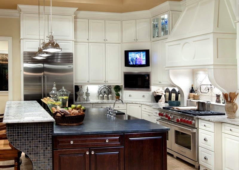 Ниша для телевизора в кухонном гарнитуре
