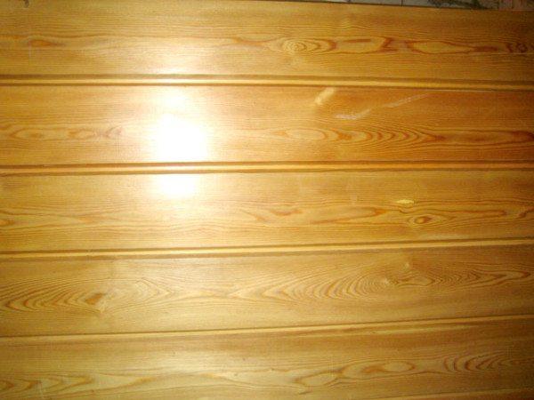 Имитация бруса успешно применяется обшивки стен и потолков внутри помещений.