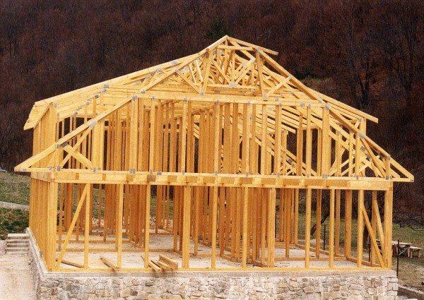 Интересный и сложный вариант фасада каркасного строения