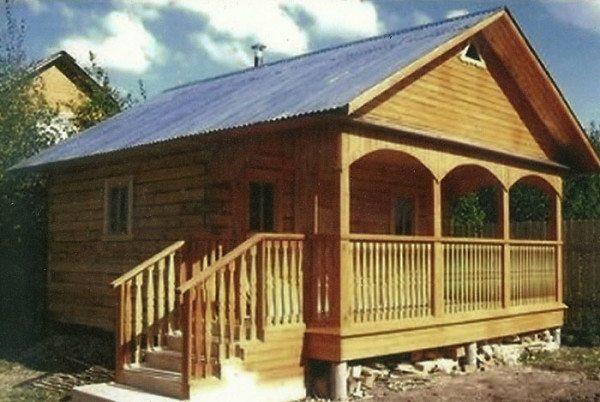 Как видно на фото, проекты бань из бруса 6х6 позволяют возводить практичные и изящные постройки.