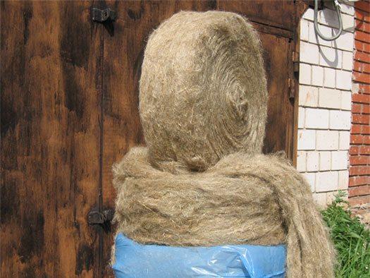 На фото показана пакля джутовая ленточная