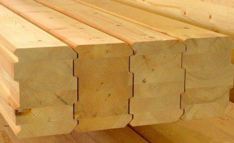 На то, сколько стоит куб бруса, влияет состав и структура материала.
