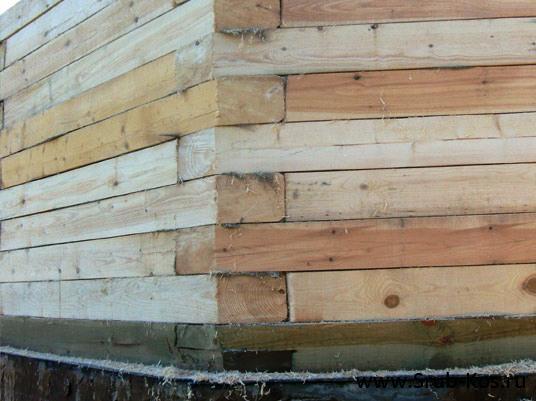 Надежно соединить деревянные стены в углах - непростая задача.