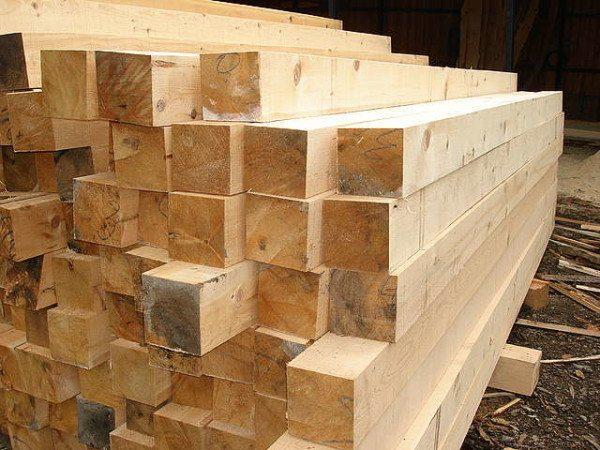 Обычный брус из цельной древесины