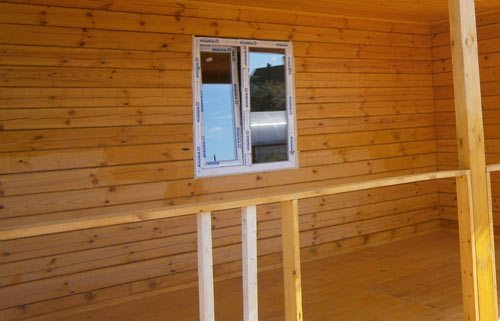 Рейку также использую как опоры для лестничных и балконных ограждений