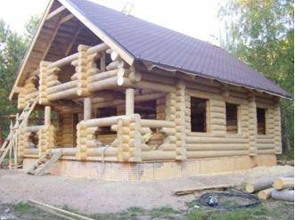Шикарный особняк из оцилиндрованного бревна – сделанный из бруса стоит дешевле