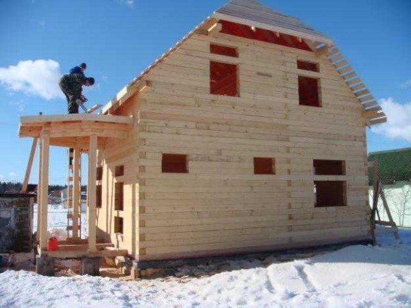 Такие постройки можно возводить даже зимой