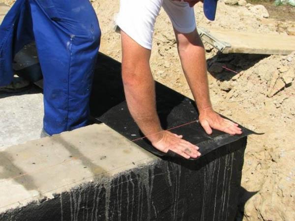 Укладка рулонной гидроизоляции