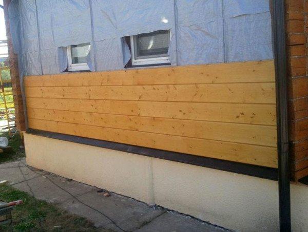 Утепление деревянного дома из бруса – процесс обшивки