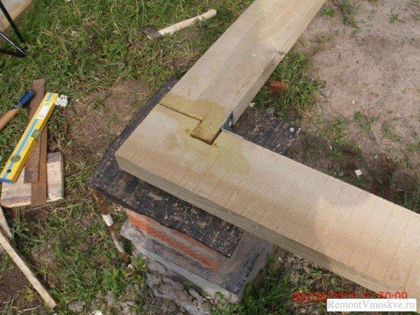 Вариант изготовления замка на углу конструкции