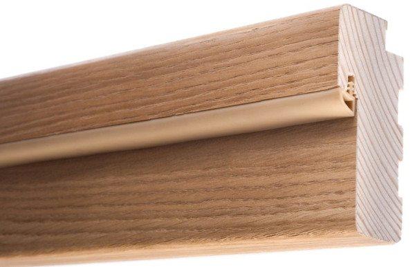 Вот так выглядит шпонированный брусок, предназначенный для обрамления дверного проема