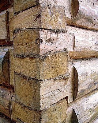 Все стыки соединений подлежат обязательному уплотнению паклей или другим доступным материалом